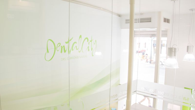 Fotografia interiores clinica dental y dise o web - Diseno de interiores malaga ...