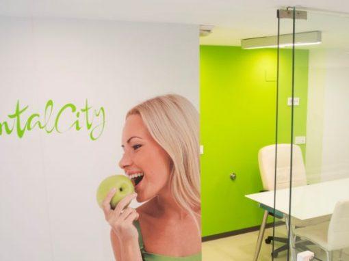 Fotografia interiores clinica dental y diseño web dentalcity Malaga